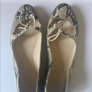 Like new Cole Haan women's shoes